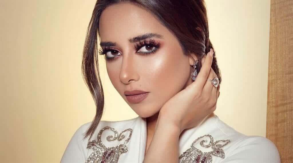 بمشاركة أكثر من ثلاثة آلاف سيدة.. السعودية تنظّم أول حفل غنائي للنساء أحيته الإماراتية بلقيس