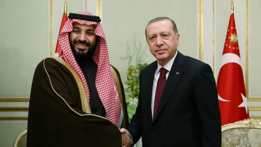 """من يحكم أرض الرسول ومهبط الإسلام مشغول بلعب """"البلوت"""" وتركيا هي من انتصرت للمسلمين وردت على وقاحة ماكرون"""