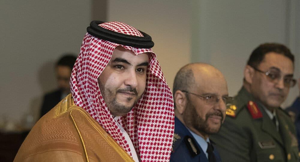 """كاتب عُماني يصف خالد بن سلمان بـ""""إطفائي حرائق المنطقة"""".. وهذا ما قاله عن دوره في إنهاء حصار قطر"""