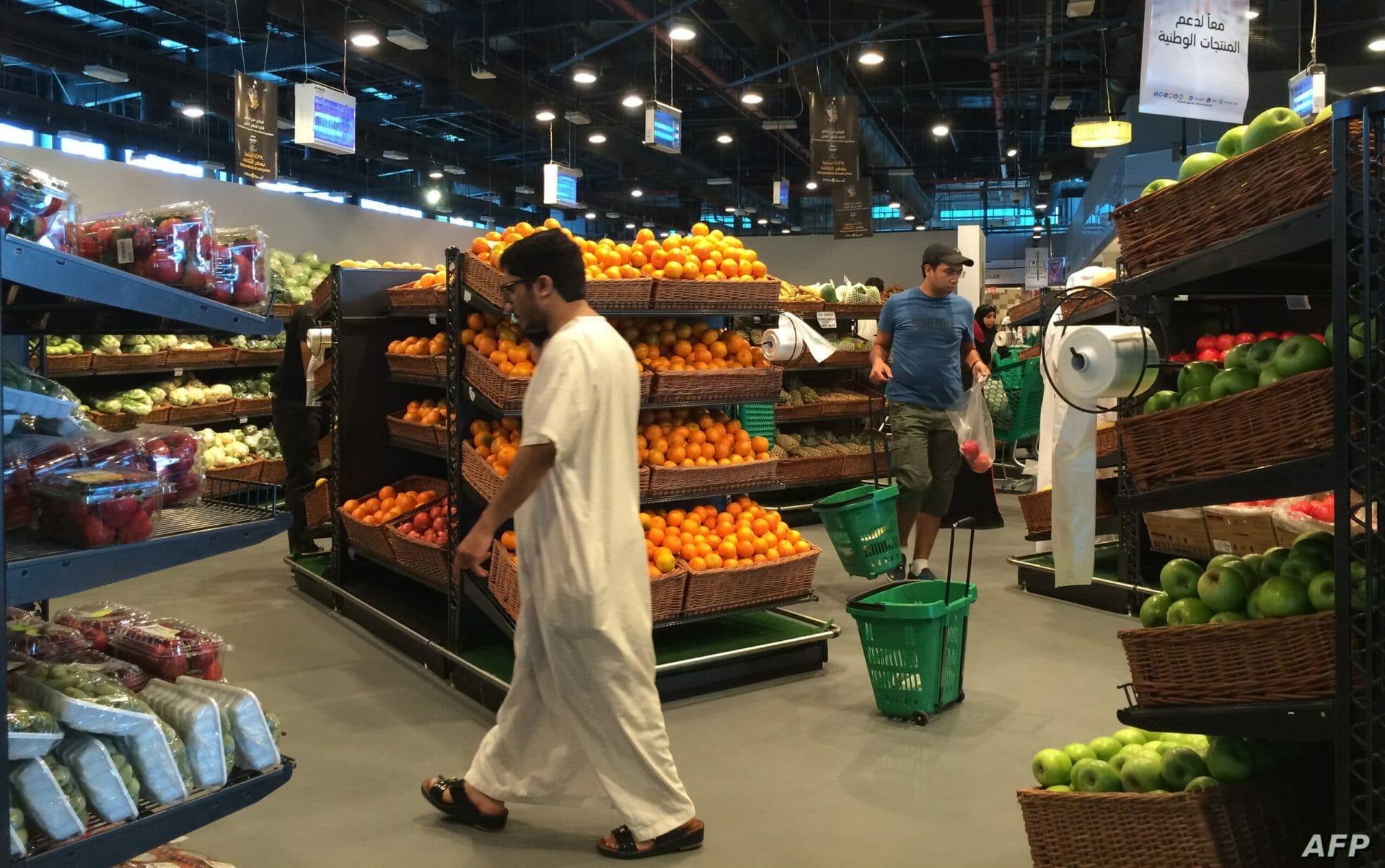 مغردون قطريون غاضبون بسبب بضائع إماراتية في الدوحة