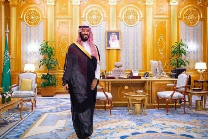"""""""صبيان"""" ابن سلمان اختلفوا.. وصلة """"ردح"""" بين أمير سعودي ومحام مقرب من الديوان تثير سخرية واسعة"""