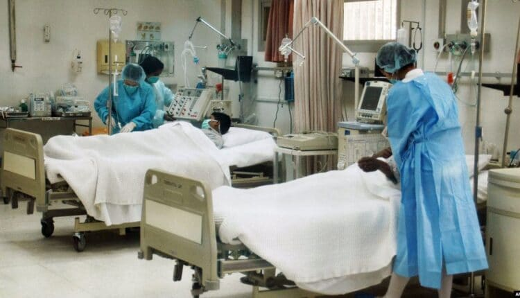ممرضة فلبينية بمستشفى الجهراء من قبضة شاب كويتي