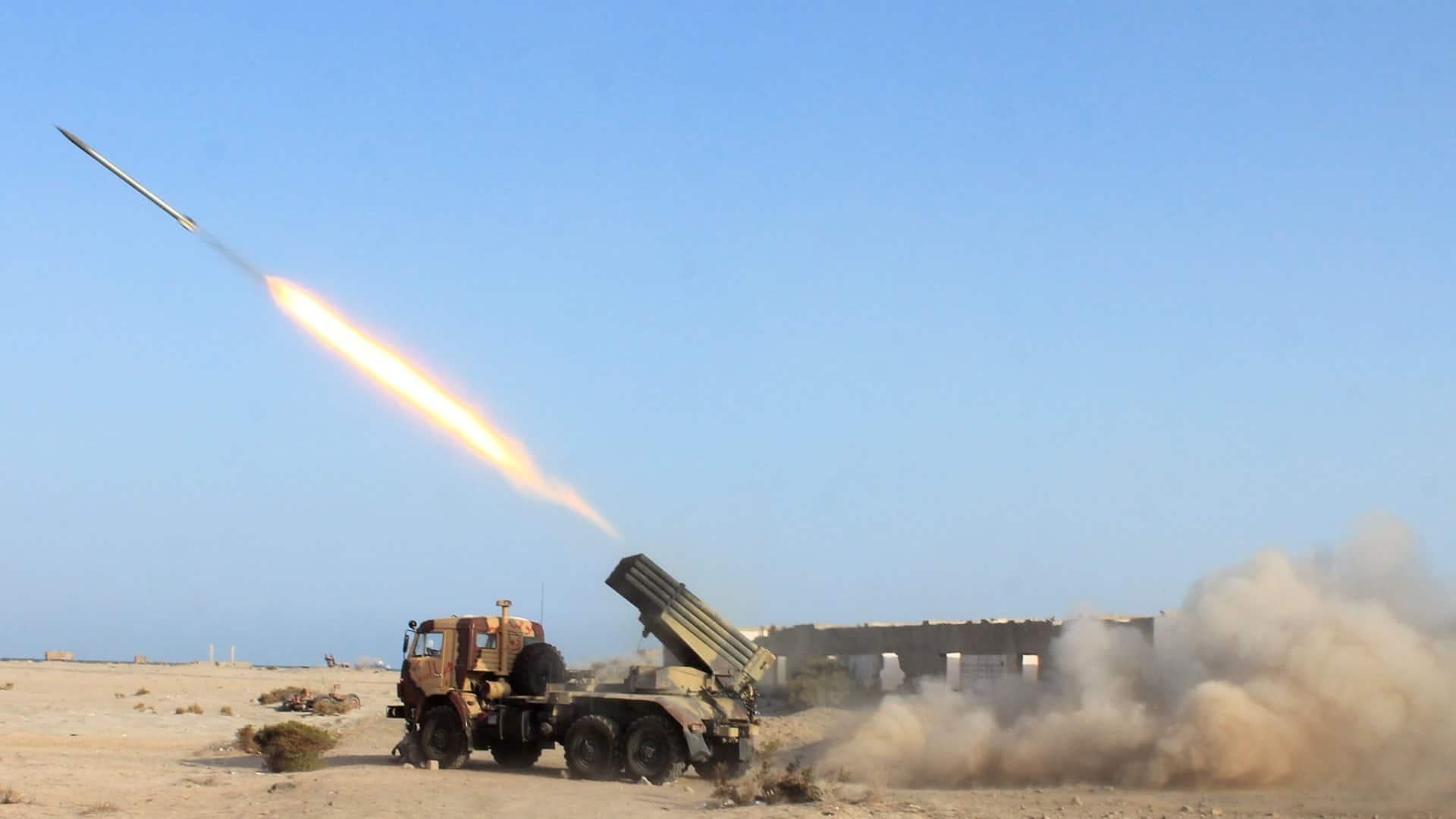 """هجوم قوي وغير متوقع .. صواريخ وطائرات """"حوثية"""" تضرب أرامكو ومطارات سعودية و""""بن سلمان"""" في """"غيبوبة""""!"""