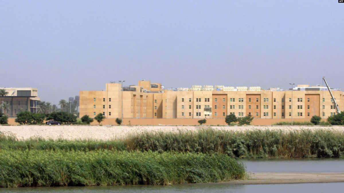 مطاعم ومتاجر ومدارس و21 بناية.. مصادر إعلامية تكشف أسرار السفارة الأمريكية المحصنة في بغداد
