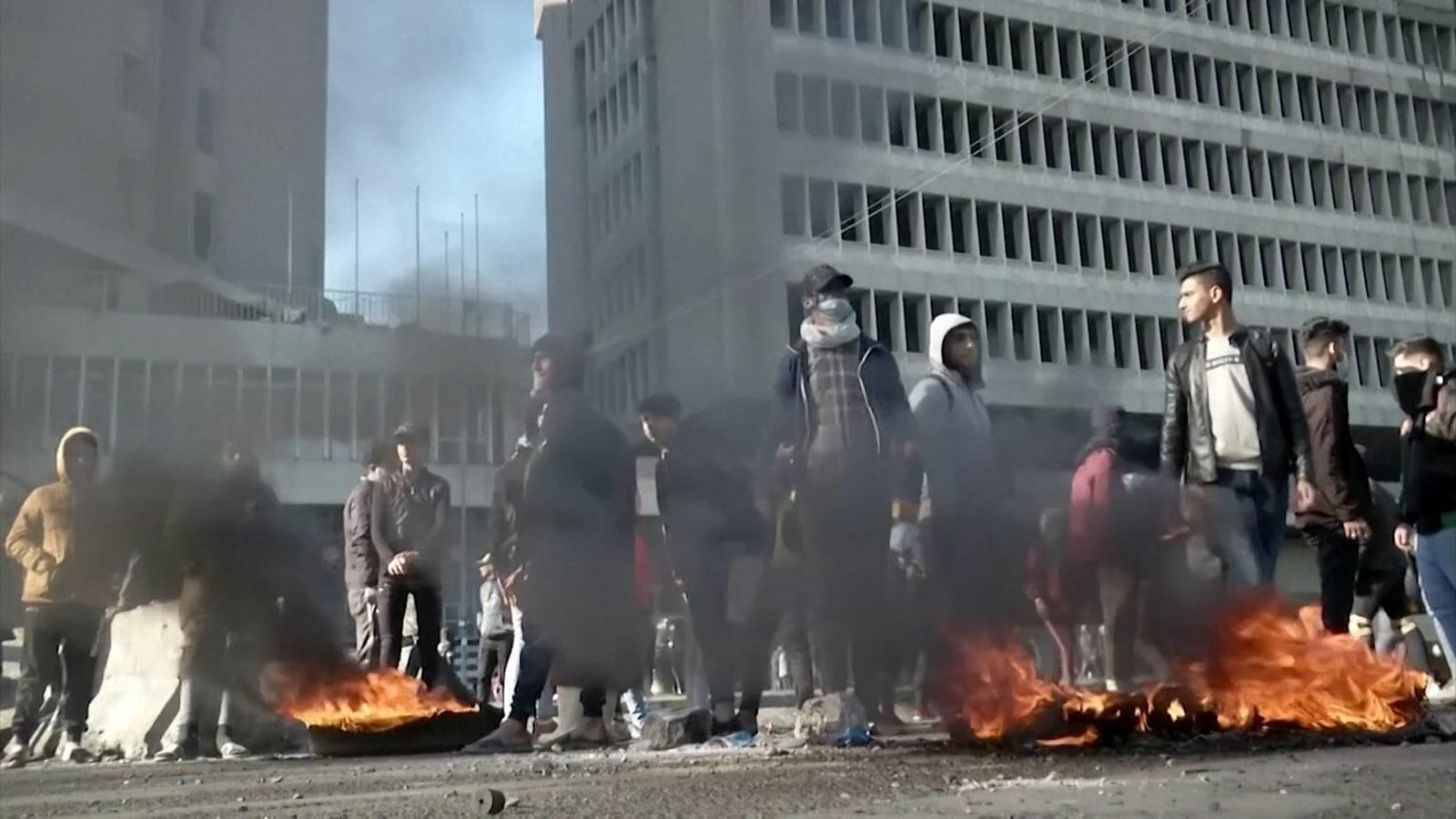 صاروخ كاتيوشا سقط على قاعة للطعام في السفارة الأميركية ببغداد.. ومحلل سعودي توقع ضربة مؤلمة للعراق لكنها لم تحصل!
