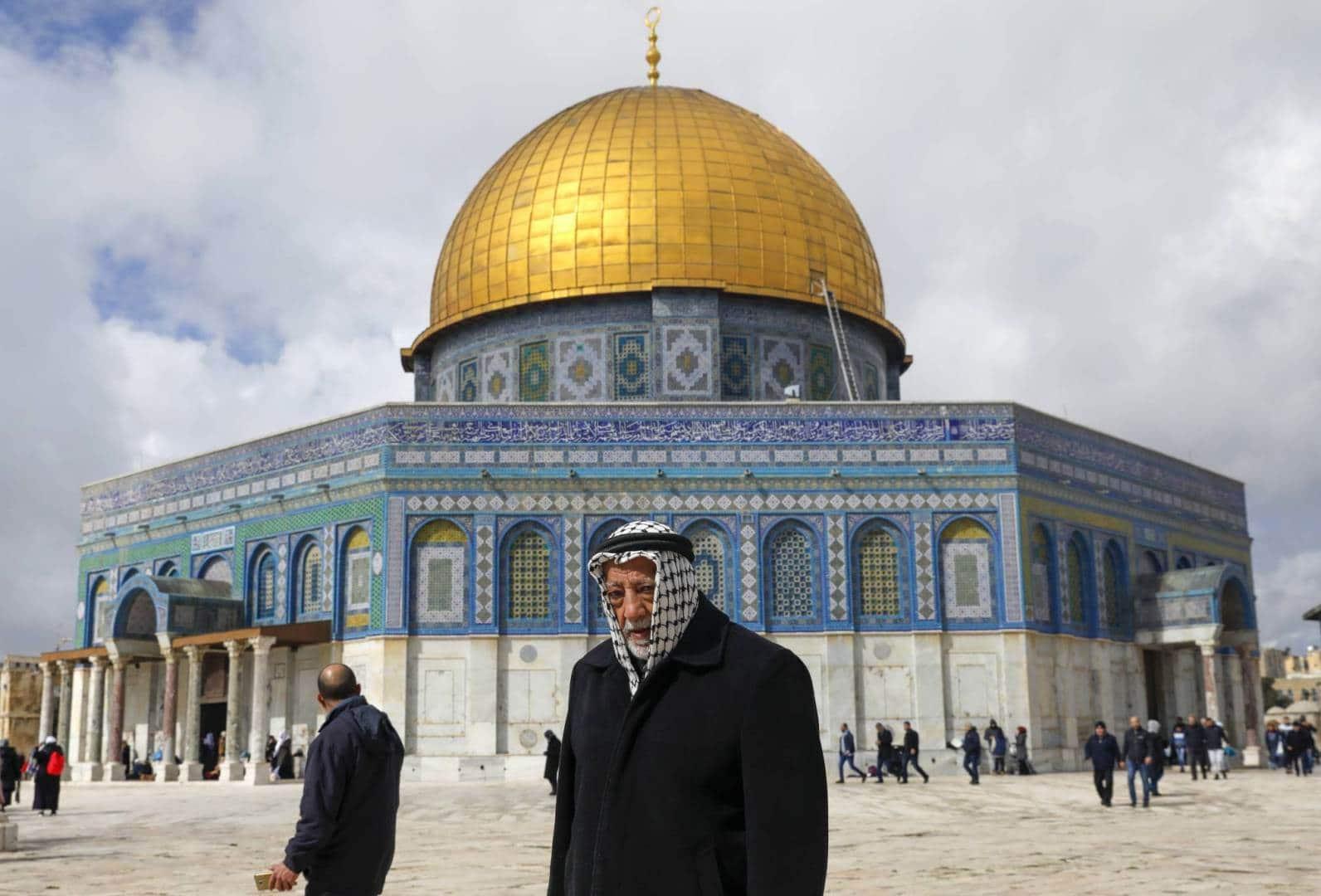 """بينما """"بَصَمَتْ"""" دول خليجية على صفقة القرن  .. قرار في سلطنة عمان يخصّ القدس المحتلة"""