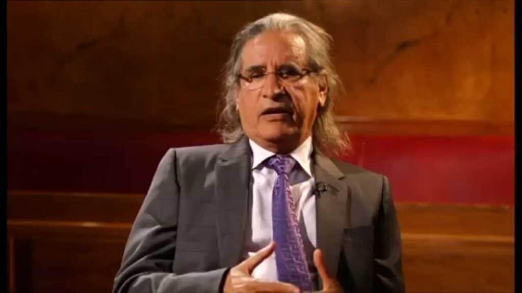السعودي عثمان العمير يستغل لقاء ممثل حماس بالحوثيين للتحريض على الفلسطينيين خليجياً!