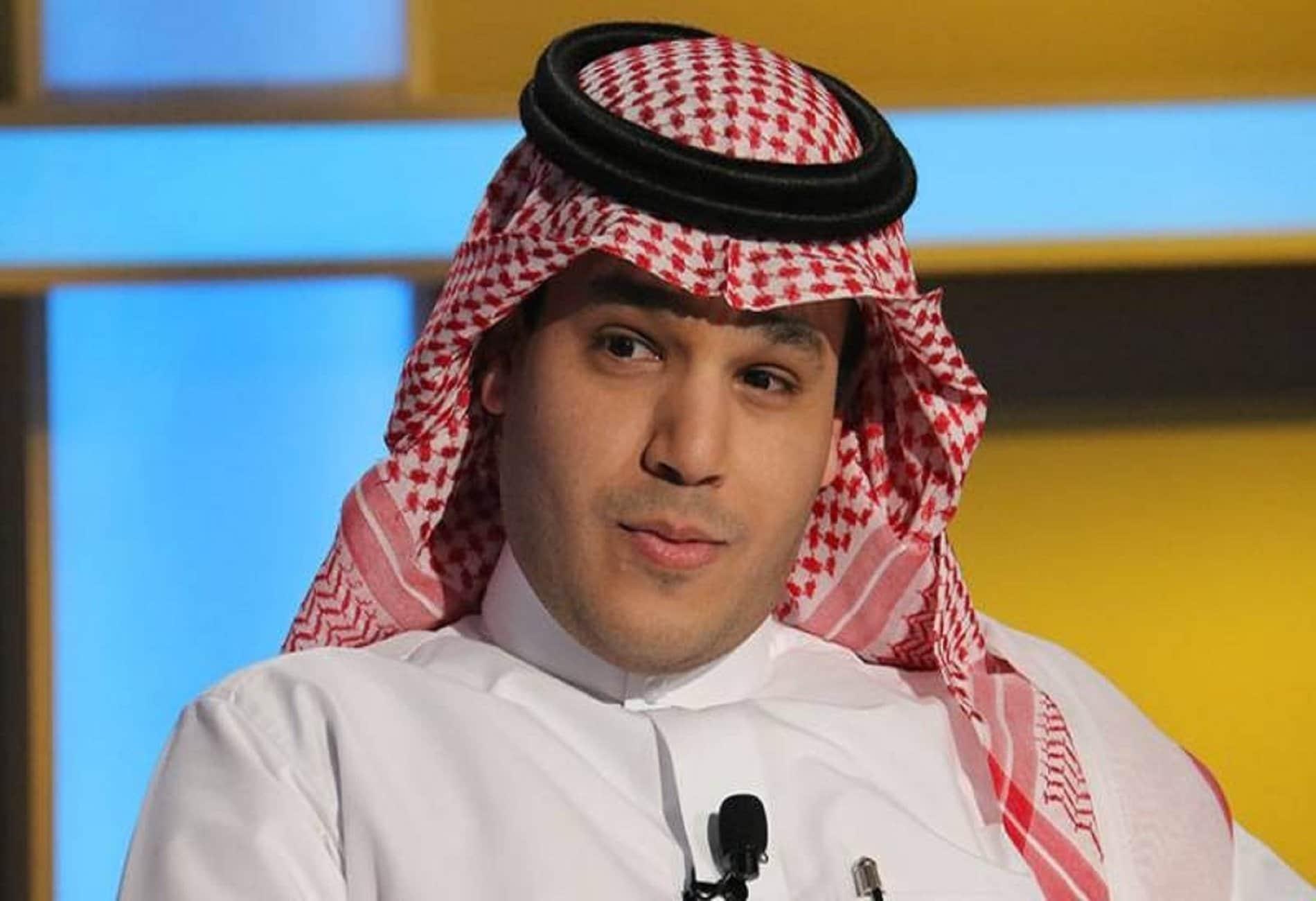 اعلامي سعودي يهاجم مرزوق الغانم بعدما ألقى صفقة القرن في القمامة: ما فعله يشبه تصرفات القذافي ولا يصنع أبطالاً