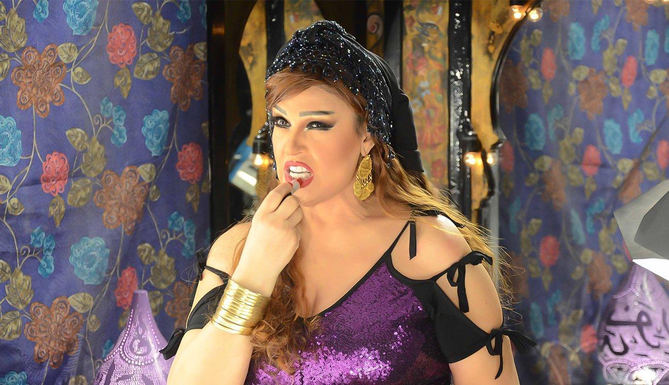 """""""شاهد"""" الأم المثالية فيفي عبده تزعج أحلام.. أطلقت زغرودة وخرقت طبلة اذن الملكة"""