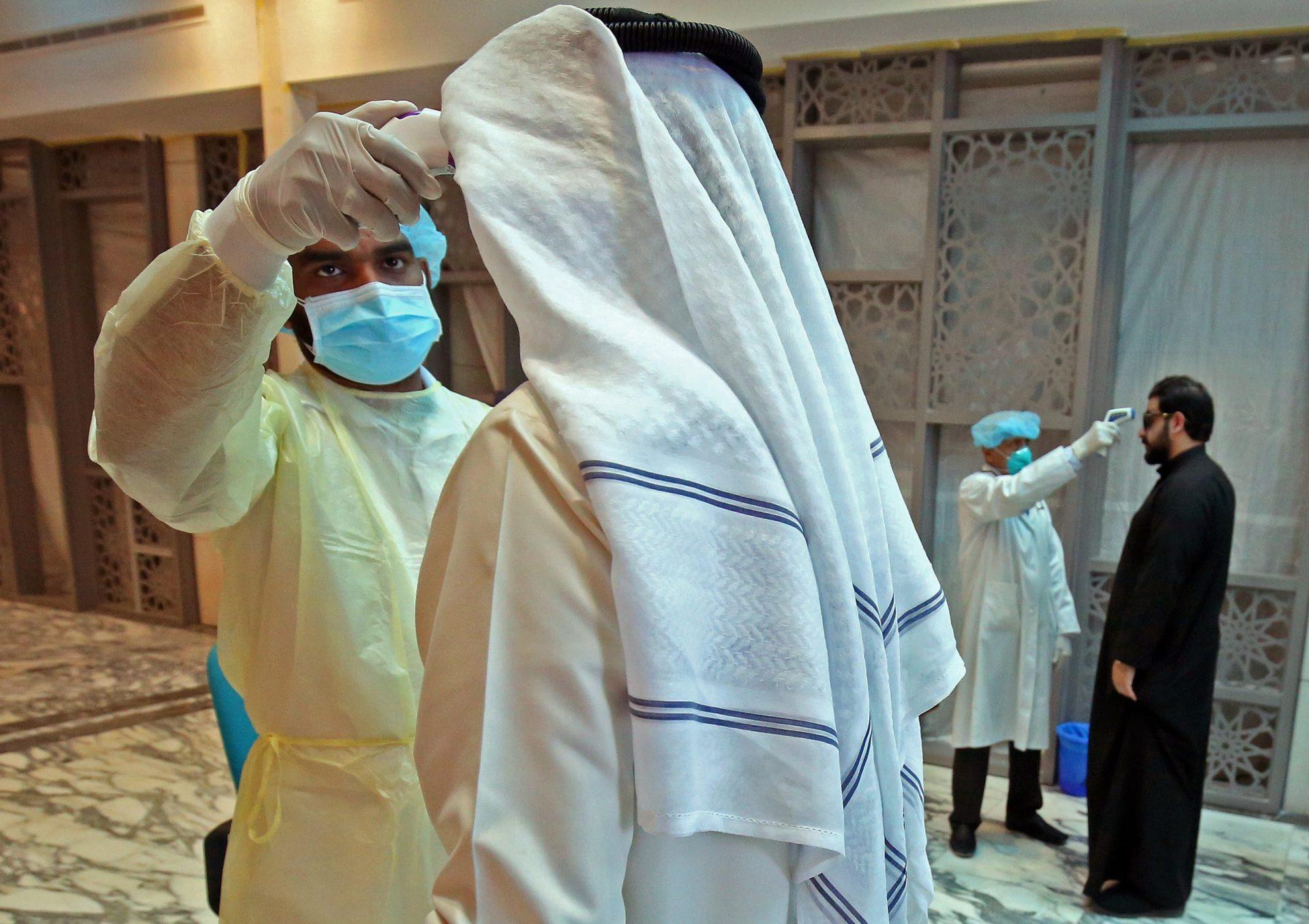 """فيديو """"لا يبشر بخير"""" من الكويت بعد وضع 5 عمارات في المهبولة تحت المراقبة.. هذا ما قاله مسؤول صحي من الداخل"""