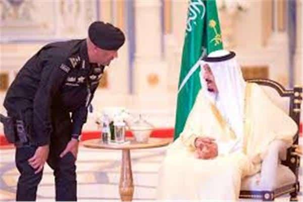 """الرواية الرسمية السعودية لمقتل حارس الملك سلمان """"لا تحدث حتى في الأفلام الهندية""""!!"""