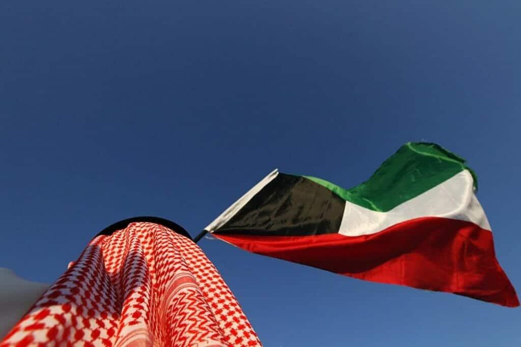 """فيديو صادم ينذر بكارثة في الكويت وأهالي المهبولة يستنجدون: """"وين الحكومة"""""""