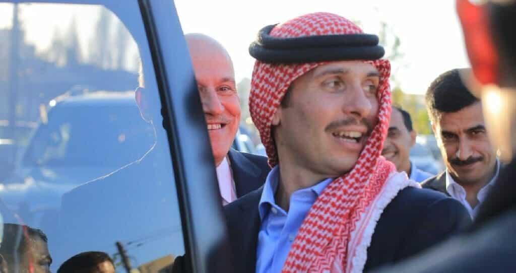 (شاهد) صورة مسربة للأمير حمزة بن الحسين تثير جدلا واسعا في الأردن
