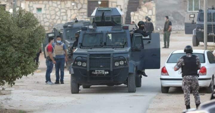 """النواب بكفلوا الزعران.. """"شاهد"""" مسؤول أمني يفجر مفاجأة صادمة حول انتشار ظاهرة البلطجة بالأردن"""