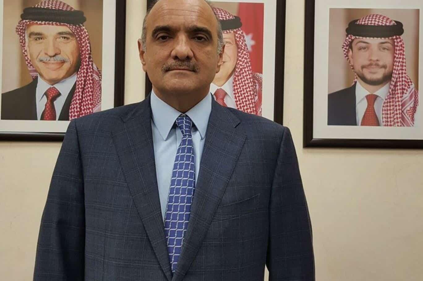 """رئيس الوزراء الأردني تأثر عندما شاهد """"ضحية الزرقاء"""" وهذا ما توعد به المجرمين حتى يكونوا """"عبرة"""" لغيرهم"""