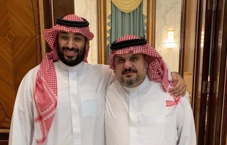 """كذبوا الكذبة وصدقوها.. مشادة بين أمير سعودي مقرب من ابن سلمان ومعارض بارز بسبب """"هبل"""" عمرو أديب"""