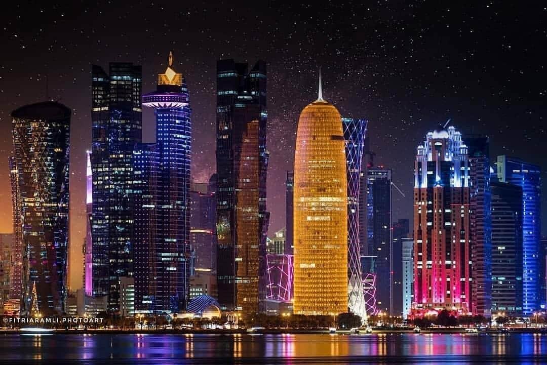 شيخة قطرية ترد على صحفي زعم وجود سفارة سرية لإسرائيل في الدوحة وتحرجه