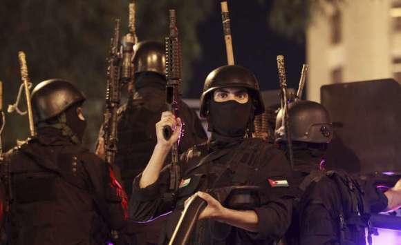 """""""ادعسوا على رؤوسهم"""".. """"شاهد"""" ماذا فعلت قوات الأمن الأردنية مع """"الزعران"""" حتى يكونوا عبرة واللي بدو يصور يصور"""