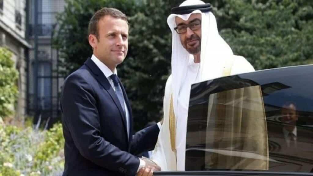 """""""لا تستغربوا"""".. ابن زايد هاتف ماكرون وأكد على دعمه لاقتصاد فرنسا ضد حملة مقاطعة المنتجات الفرنسية!"""