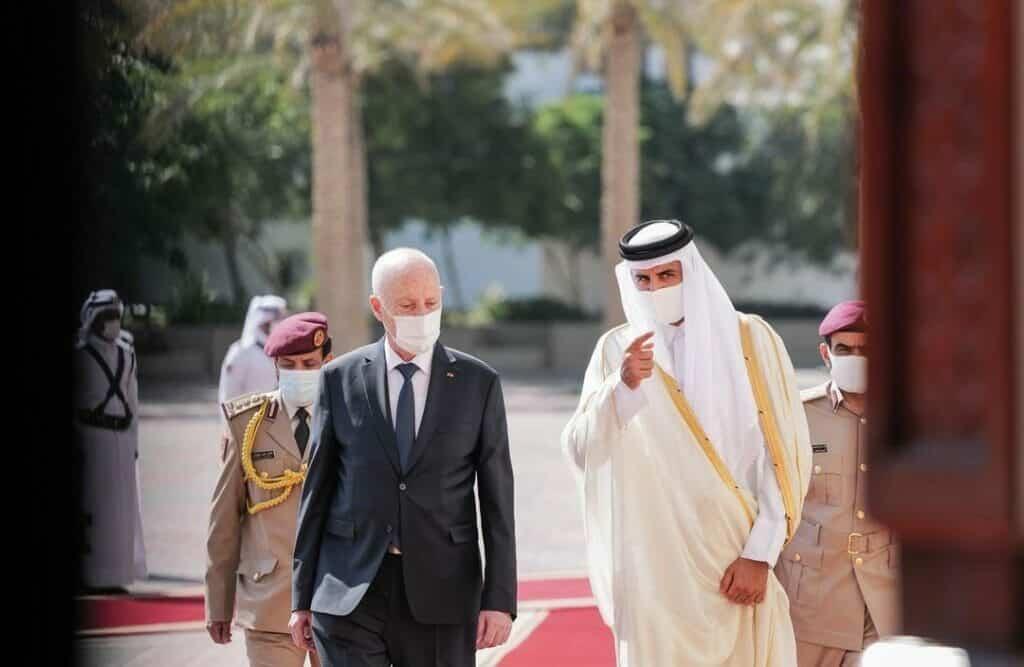 من قلب الدوحة .. الرئيس التونسي قيس سعيد يرفع ضغط قادة دول الحصار بما قاله عن قطر والتطبيع