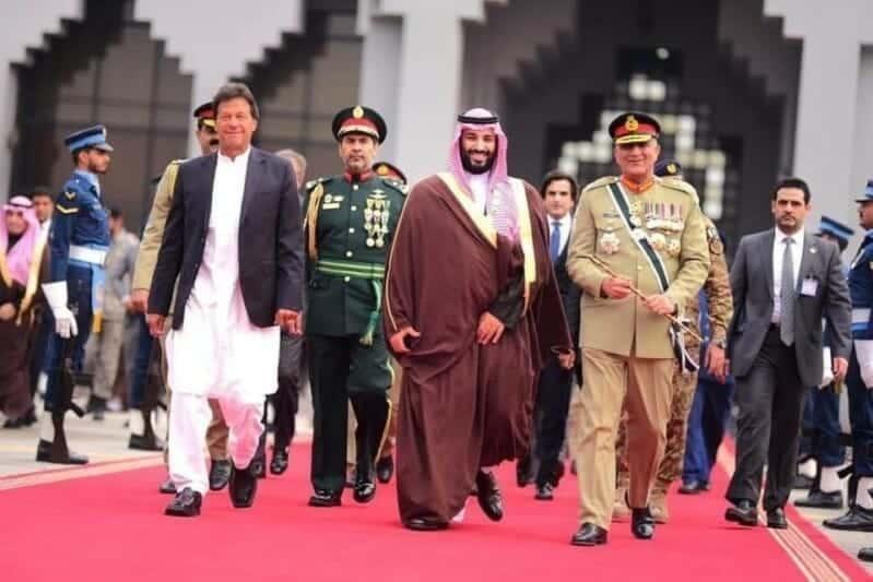 """هل يستجيب عمران خان لـ""""وسوسة"""" ابن سلمان لتنفيذ هذا المخطط """"الأخطر"""" في تاريخ المنطقة؟"""
