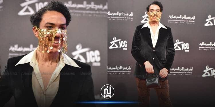 """""""شاهد"""" الفنان التونسي أحمد الطايع يثير الجدل بارتدائه ملابس نسائية في مهرجان قرطاج!"""