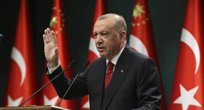 """كما فعلوا مع غادة عويس.. صورة فاضحة لابنة أردوغان روجها ذباب ابن سلمان و""""الفبركة"""" فضحتهم!"""