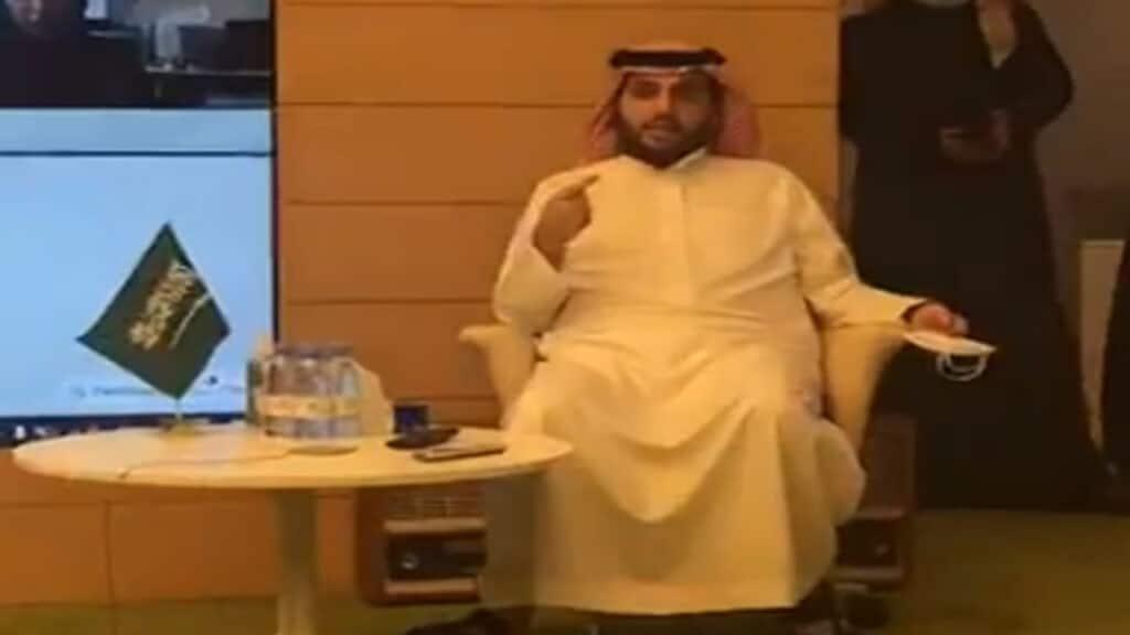 """وصفه بـ""""الولد"""".. كاتب أردني لـ""""تركي آل الشيخ"""": """"اقعد والبد وانتبه الى بلدك"""""""