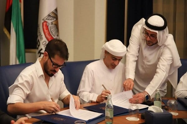فضيحة تلاحق الشيخ الإماراتي حمد بن خليفة آل نهيان بعد أن اشترى نادي إسرائيلي بملايين الدولارات