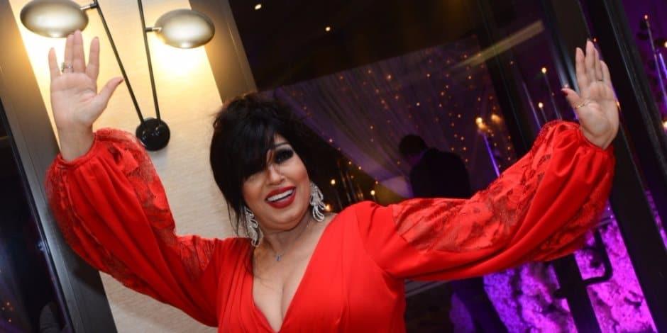 """ستموت وهي """"تهز وسطها"""".. فيفي عبده تُصبر جمهورها بصور مثيرة حتى تستعيد قدرتها على الرقص"""