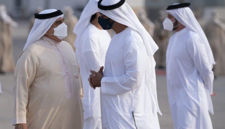 محمد بن زايد وملك البحرين