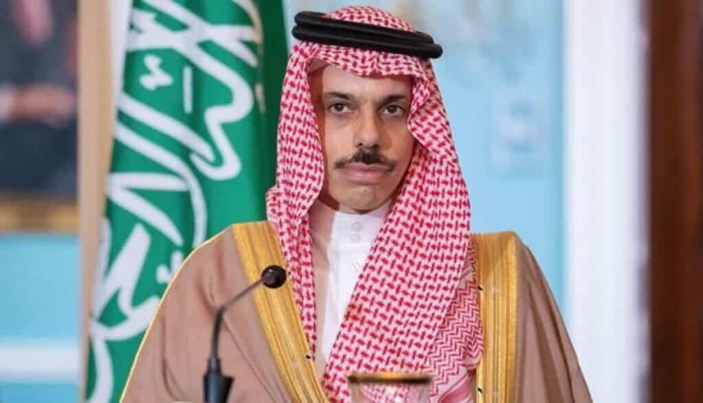 معلومات جديدة تكشف ماذا فعل وزير خارجية السعودية حتى أقنع السودان بالتطبيع!؟