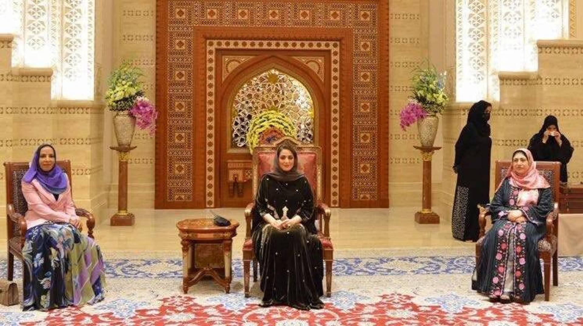 زوجة السلطان هيثم عهد البوسعيدية حديث العمانيين في عيد الأم