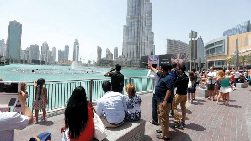 """الإمارات باتت عاصمة الدعارة الأولى في العالم ورغم ذلك تحذر مواطنيها من """"أمر سري"""""""