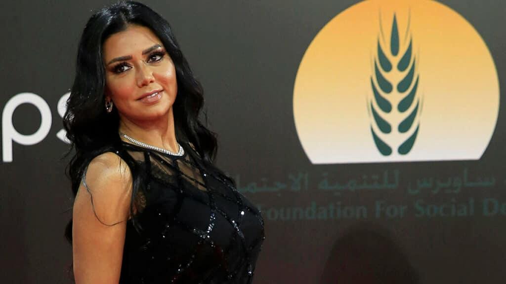 شاهد رانيا يوسف تفاجئ متابعيها بإطلالة نصف محتشمة.. ماذا تفعل في لبنان؟