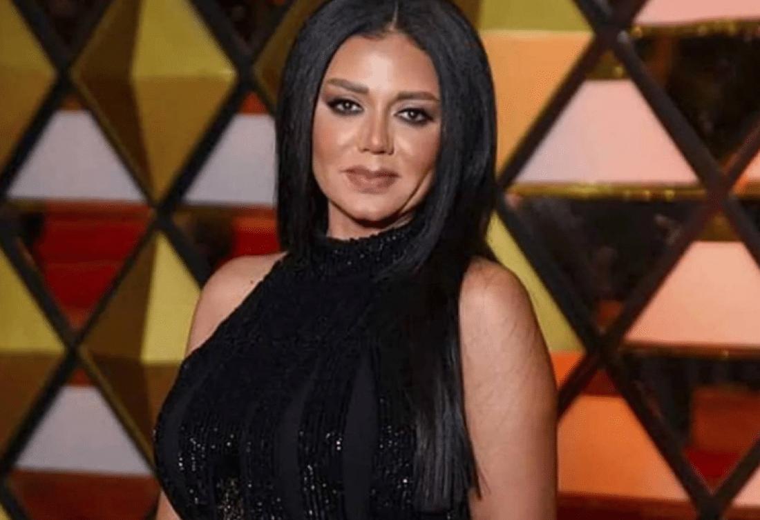 رانيا يوسف تثير ضجة في أحدث جلسة تصوير بملابس محتشمة.. هل تغازل القضاء قبل المحاكمة؟!
