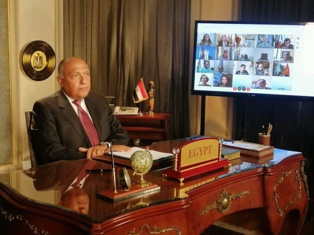 """سامح شكري يرصد كل برامج """"الجزيرة"""" ومذيعيها وهذا ما سيحدث في لقاء قريب مع مسؤولين قطريين"""