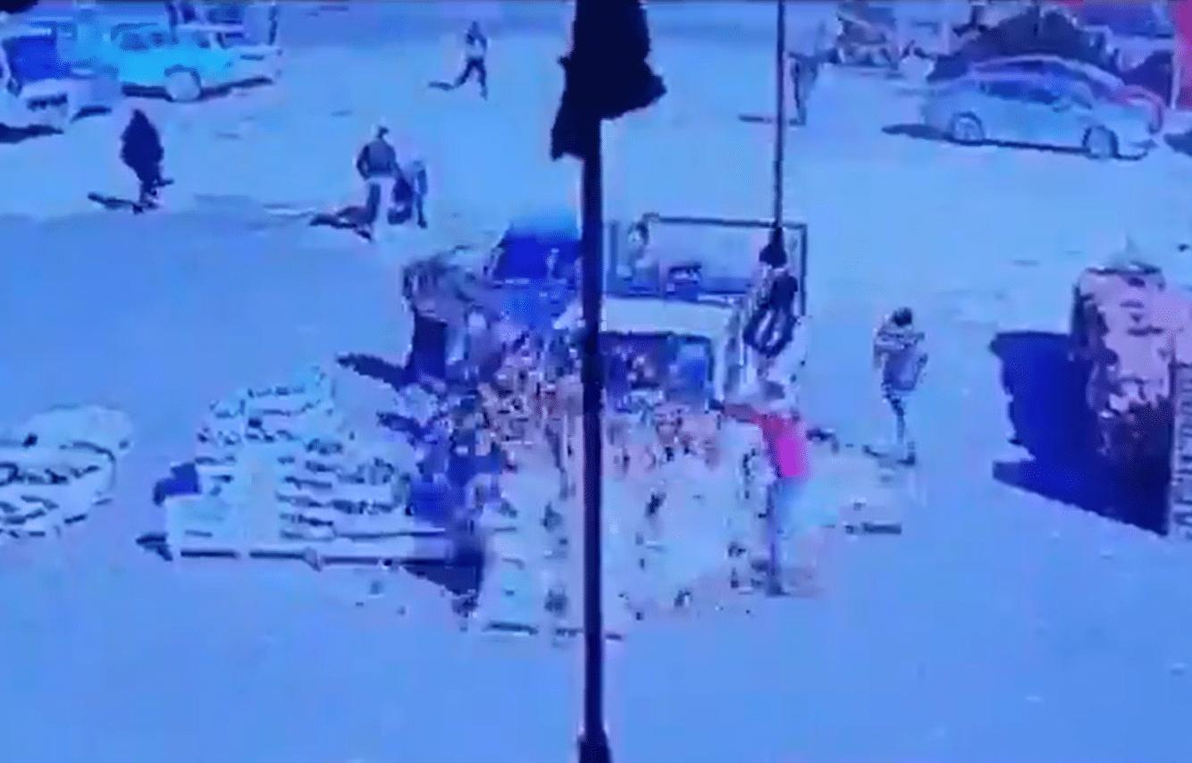 شاهد ما حدث في سوق إربد بالأردن بعدما حاول سائق شاحنة دهس العشرات
