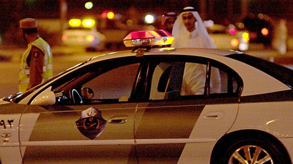 فيديو يُظهر التحرش بطفل سعودي في مكة يفجر موجة غضب .. وهذا مصير المجرم
