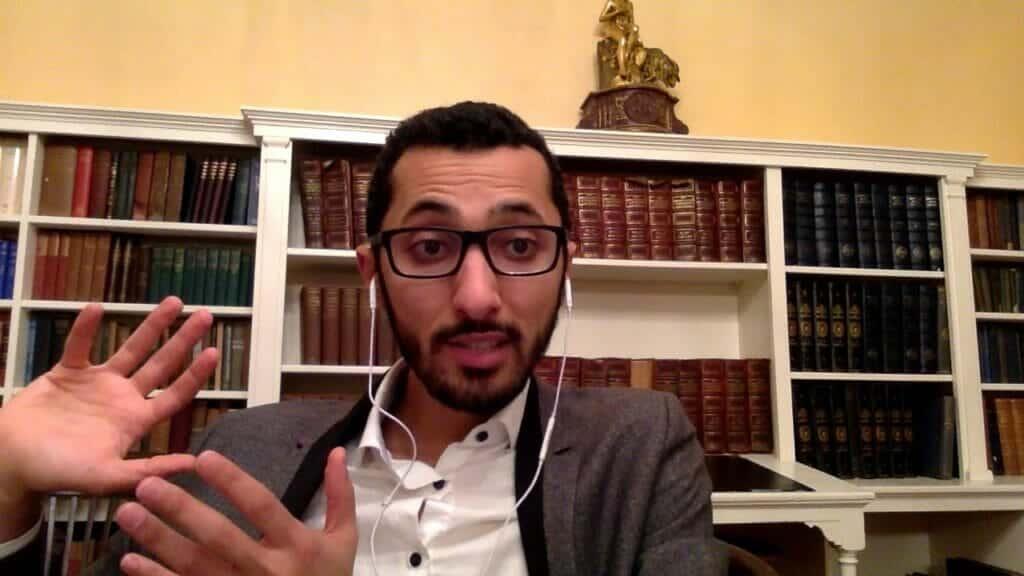 """""""أخجلت زملاءك الفراعنة بجهلك"""" .. نجل سلمان العودة ينتقد """"غباء"""" محمد بن سلمان السياسي"""