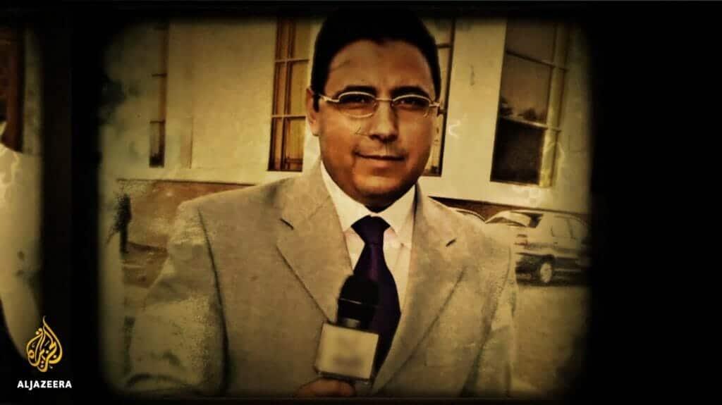 أول ظهور لمراسل الجزيرة محمود حسين بعد إطلاق سراحه واستقبال بالأحضان والدموع