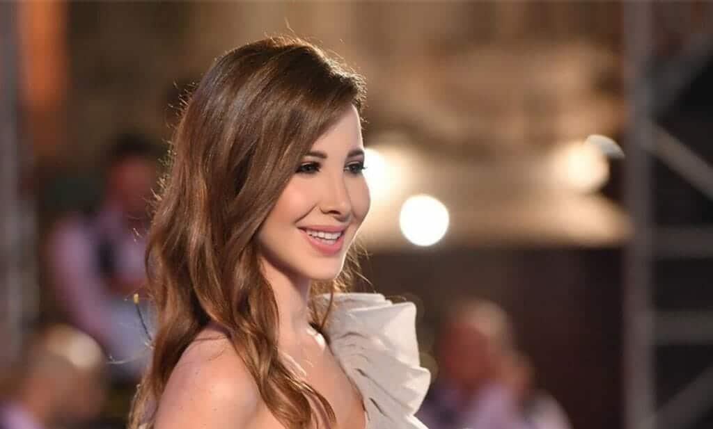 صورة نانسي عجرم وحماتها تثير ضجة واسعة في لبنان وأنباء تتحدث عن تدهور حالتها
