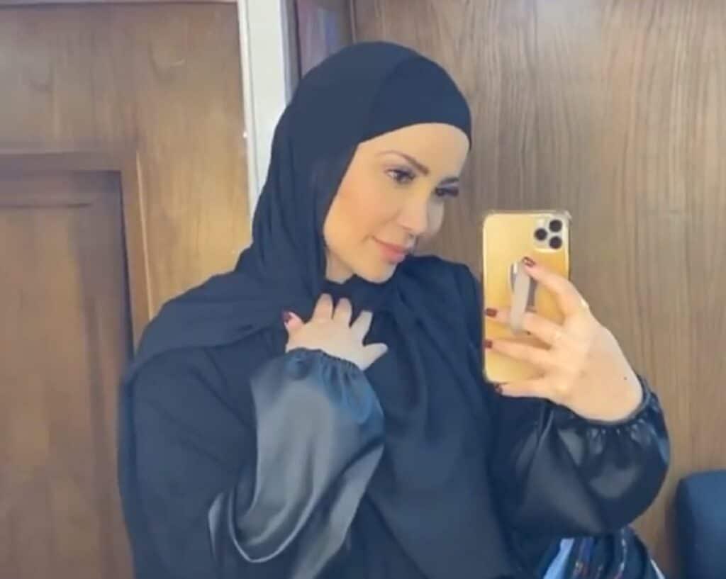 """""""لابقلك لا تشيليه"""" .. نسرين طافش تُشعل المواقع بعد ارتدائها الحجاب!"""