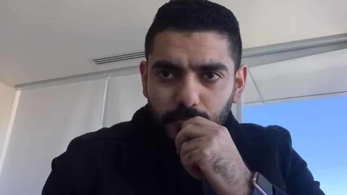 من يطلب الهدنة هو الأكثر تضرراً.. معارض سعودي يكشف كذب ابن سلمان في حربه على الحوثيين