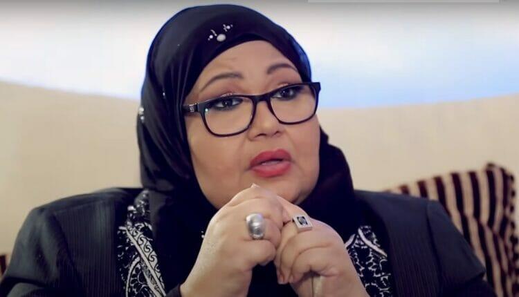 الفنانة الكويتية انتصار الشراح في قسم العناية المركزة بعد تعرضها لنقص بالأكسجين و بكتيريا بالدم