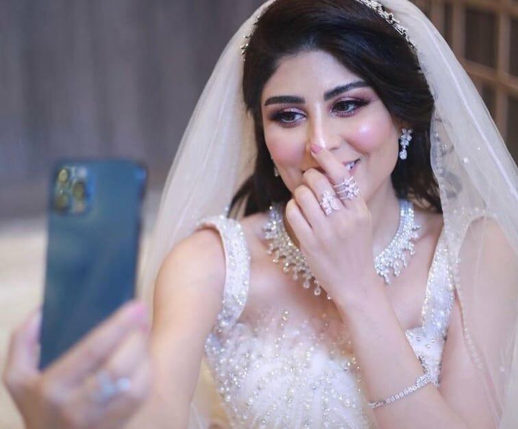 """انفصلت عنه بعد زواج شهر .. زارا البلوشي تثير الجدل حول طليقها: """"الله يصلحك يا قحطاني""""!"""