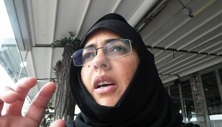 الكويتية سلوى المطيري تخلع الحجاب