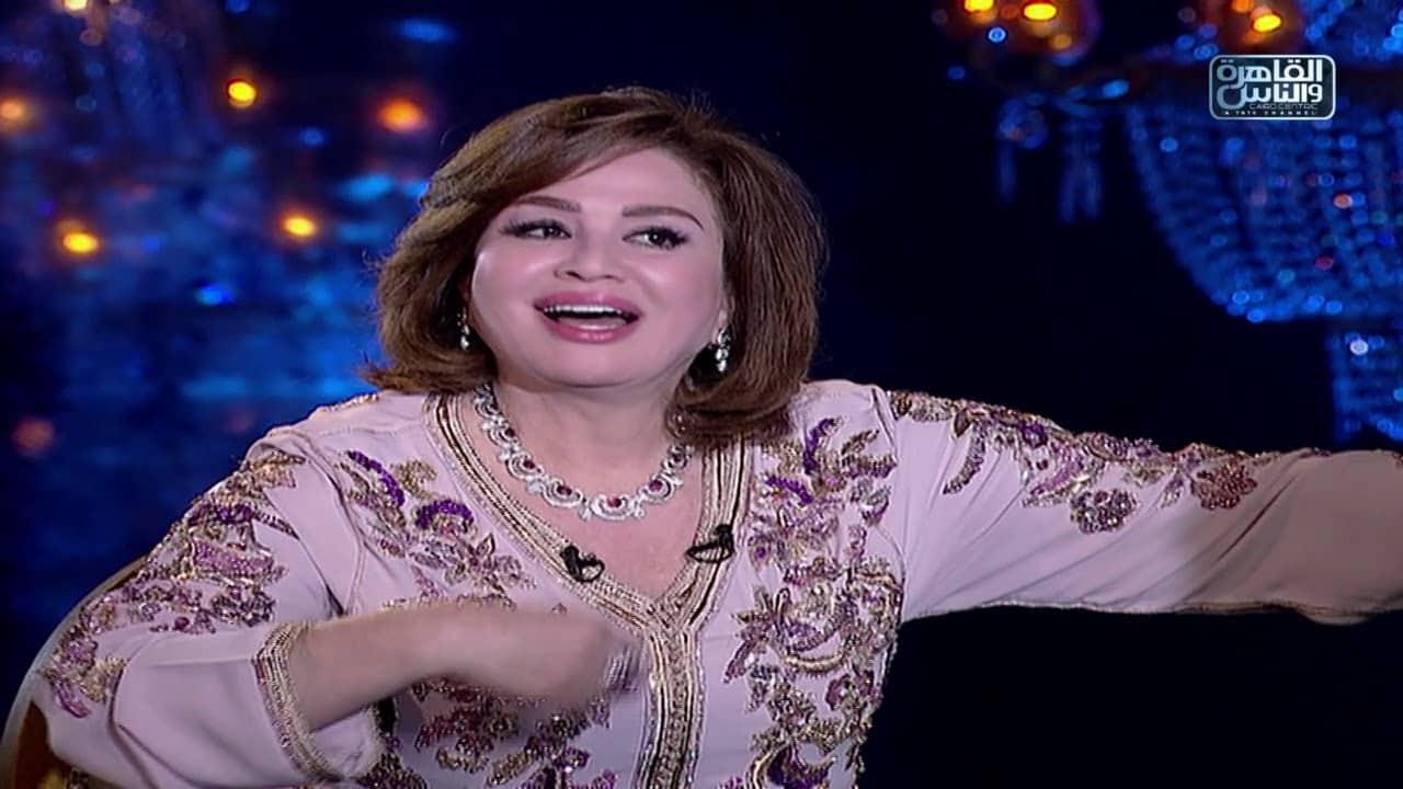 إلهام شاهين لا تمانع تقديم مشاهد جريئة في هذا السن .. وتفضح رانيا يوسف!