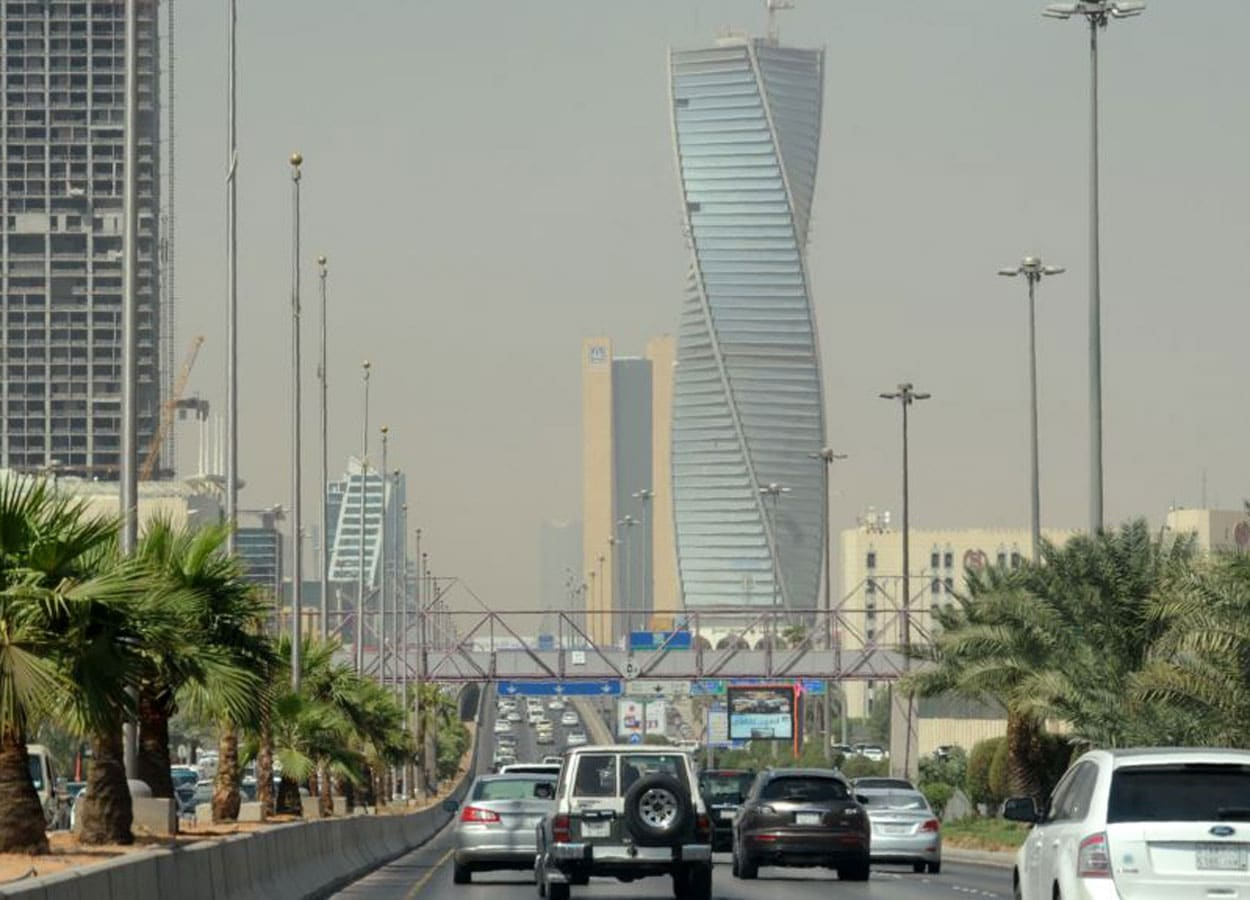 بعد دعوة أمير من آل سعود .. هل ستطرد السعودية اللبنانيين من الوظائف الخاصة!