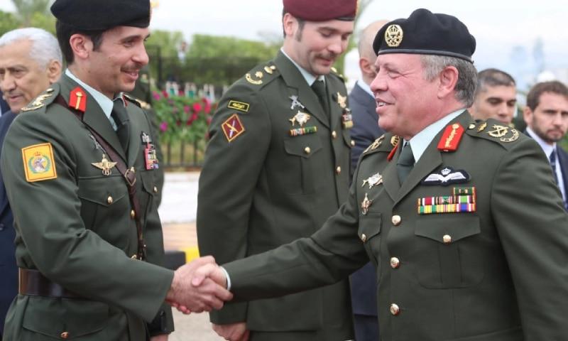 هاجم الأمير حمزة وتصرفاته.. رئيس وزراء الأردن يكشف الهدف من مؤامرة الانقلاب